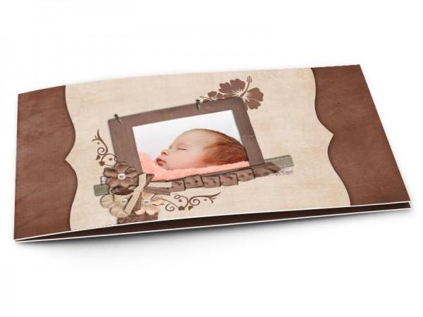 Faire-part naissance - Fleurs et rubans sur fond marron