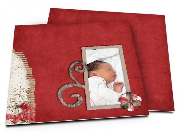 Faire-part naissance - Ornement et fleur sur fond rouge