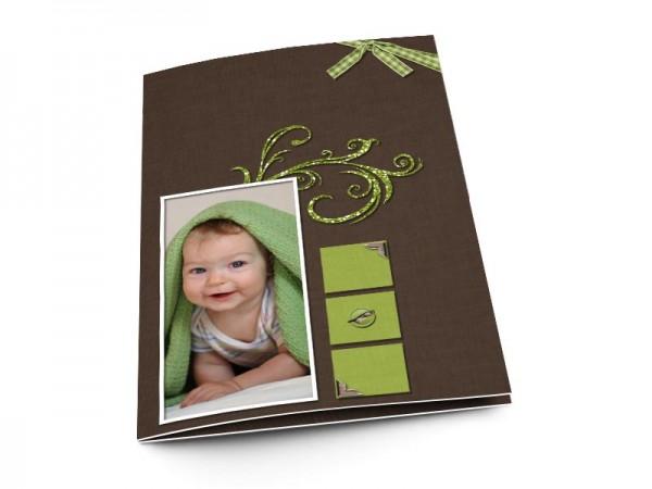 Menu baptême - Ornements verts sur fond marron